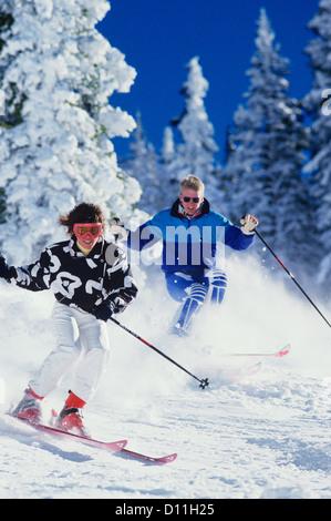 1990ER JAHREN PAAR SKI VAIL COLORADO USA - Stockfoto