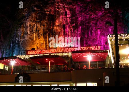 Laser-Licht-Display laufenden in den Höhlen in der Cheddar festliche Nacht 2012 - Stockfoto