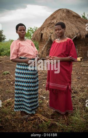 Schwangere Frauen in Kitugutu Dorf, Kyenjojo District, Uganda. - Stockfoto