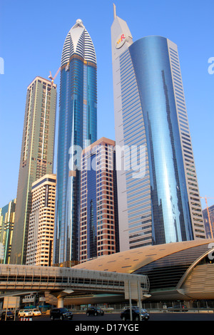 Dubai VAE Vereinigte Arabische Emirate v.a.e. Nahost Handels Zentrum Sheikh Zayed Road finanzielle Zentrum Metro - Stockfoto