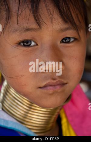 Porträt von Karen lange Hals Hill Tribe Kind, Chiang Mai, Thailand - Stockfoto
