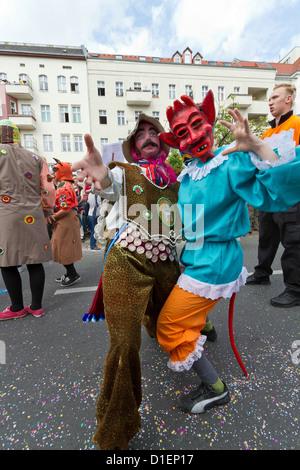 Teilnehmer des Karneval der Kulturen in Berlin am 25.05.2010, Deutschland - Stockfoto
