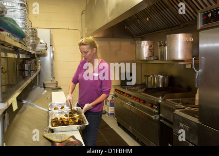 Suppenküche Freiwilligenarbeit in New Haven CT USA Stockfoto, Bild ...