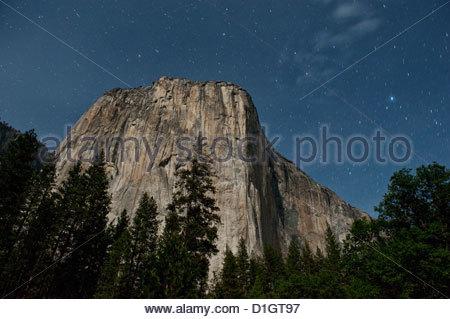 El Capitan Berg- und Nacht Himmel mit Sternen, Yosemite-Nationalpark, Yosemite, Kalifornien, Vereinigte Staaten - Stockfoto