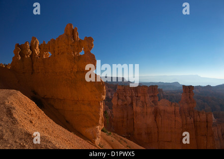 Hoodoos in den frühen Morgenstunden vom Sunset Point, Bryce-Canyon-Nationalpark, Utah, USA - Stockfoto