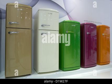 Retro Kühlschrank Gorenje : Gorenje orb c standkühlschrank champagne