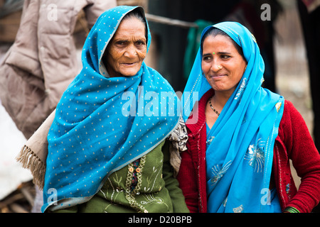 Hindu-Mutter und Tochter in Delhi, Indien - Stockfoto