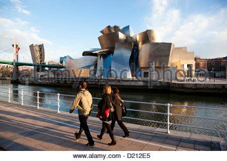 Guggenheim Museum in Bilbao, entworfen von Frank Gehry, Bilbao, Baskenland, Spanien - Stockfoto
