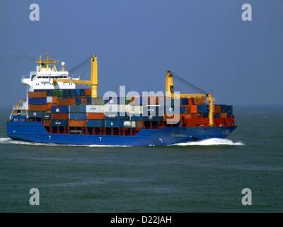 Suderoog nähert sich der Hafen von Rotterdam - Stockfoto