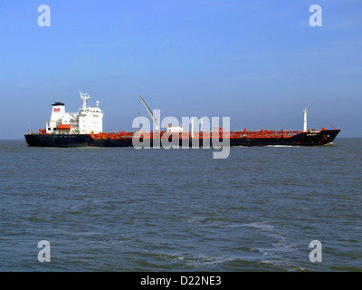 Stolzen nähert sich der Hafen von Rotterdam, Holland - Stockfoto