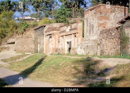 Italien, Kampanien, Pompeji - die Nekropole - äußere des antiken Ruinen - Stockfoto