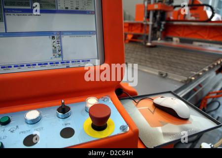 Posen, Polen, das CNC-Bearbeitungszentrum Tekna TK 429 - Stockfoto