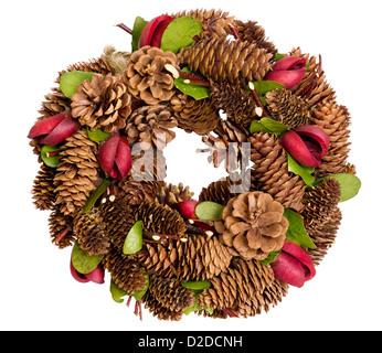 traditionelle handarbeit braun adventskranz auf luxuri se tischdecke traditionelle weihnachts. Black Bedroom Furniture Sets. Home Design Ideas