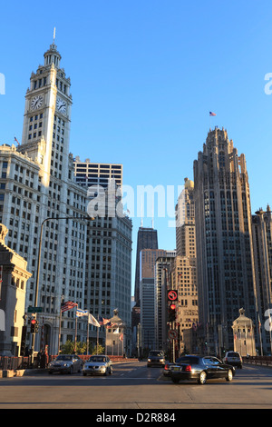 Das Wrigley Building und Tribune Tower, North Michigan Avenue, Chicago, Illinois, Vereinigte Staaten von Amerika, - Stockfoto