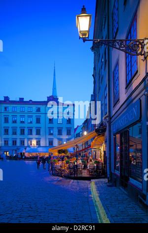 Stortorget Platz Cafés in der Abenddämmerung, Gamla Stan, Stockholm, Schweden, Europa - Stockfoto