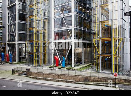 Stadt-Bürohäuser in Barbican Gegend von London - Stockfoto