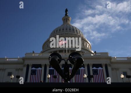 Ein Mikrofon steht auf einem Podest auf der West-Capitol-Plattform, wo Präsident Barack Obama den Amtseid während - Stockfoto