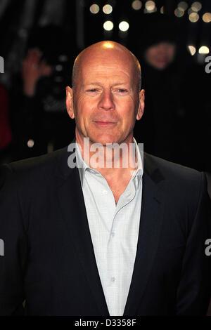 Bruce Willis besuchen die UK Film Premiere von A GOOOD DASY, Stirb langsam in das Reich Leciester Square in London. - Stockfoto