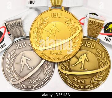 Silbernen, gold und Bronze Medaillen für den Biathlon-Weltmeisterschaften 2013 sind abgebildet in Nove Mesto Na - Stockfoto