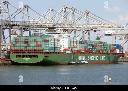 Rotterdam, Niederlande, Containerschiff im Hafen von Rotterdam - Stockfoto