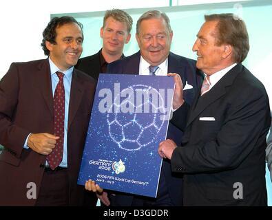 (Dpa) Michel Platini (L-R), ehemalige französische Fußball große und Mitglied der FIFA World Cup Organising Committee, - Stockfoto