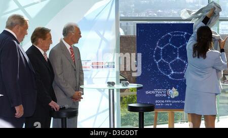 (Dpa) - Lennart Johansson (L-R), UEFA-Präsident und Vorstandsvorsitzender der FIFA World Cup Organising Committee, - Stockfoto