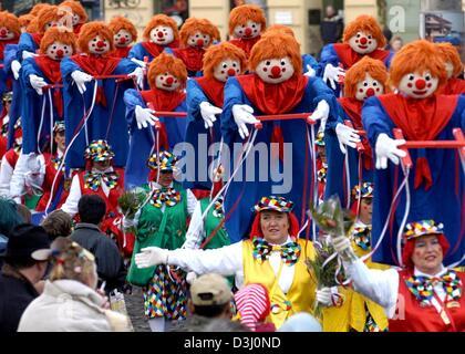 Deutschland Koln Karneval Clowns Zwei Geste Karneval Kostum
