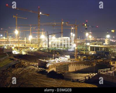 Kran-Turm von einer Baustelle in Stuttgart, Deutschland, 08 Dezember 2006. Foto: Jürgen Effner - Stockfoto