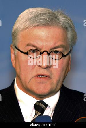 Das Bild zeigt Frank-Walter Steinmeier, Bundesminister für auswärtige Angelegenheiten die Sozialdemokraten (SPD) in Berlin, Deutschland, Montag, 30. Januar 2006. Foto: Stephanie Pilick