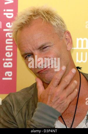"""Britischer Musiker, Schauspieler und Produzent Sting posiert für die Fotografen bei einem Fototermin für seinen Film """"A Guide zu erkennen Ihre Heiligen"""" bei den 63. Filmfestspielen in Venedig, Italien, Sonntag, 3. September 2006. Foto: Hubert Boesl"""