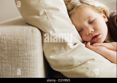 Mädchen schläft, Deutschland - Stockfoto
