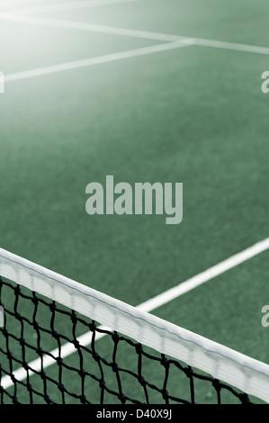 Tennisplatz mit Netz - Stockfoto
