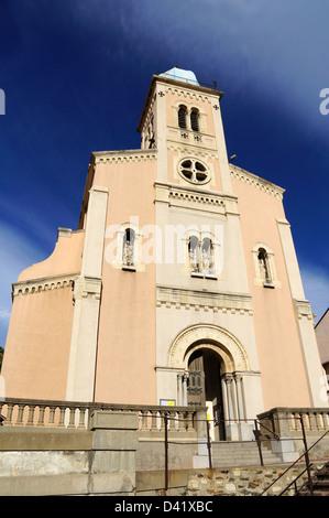 Jahrhundert Kirche mit Himmel im Hintergrund, Pyrenees Orientales, Collioure, Roussillon, Frankreich - Stockfoto