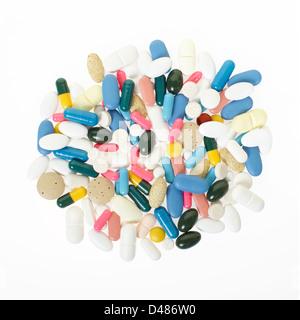 Pillen und bunten medizinische Kapseln heap