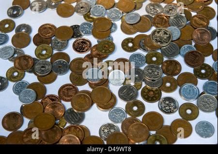 Münzen Von Japan Japanische 10 Yen Münze Stockfoto Bild 97294102