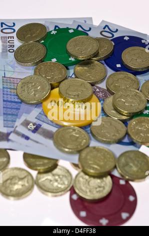 Einen Euro Und Alte Pfund Münzen Isoliert Auf Weißem Hintergrund