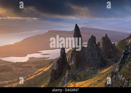 Old Man of Storr Basalt Zinnen auf der Isle Of Skye, Schottland. Winter (November) 2012. - Stockfoto