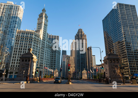 DuSable Brücke blickte North Michigan Avenue, Chicago, Illinois, USA - Stockfoto