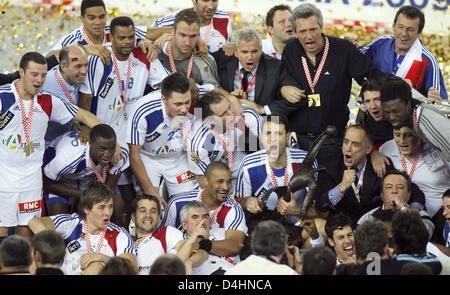 Frankreich? s Spieler und Mitarbeiter feiern ihr Team? s-Sieg in der Handball-WM-Finale match Frankreich Vs Kroatien - Stockfoto