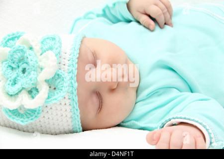 schöne Nahaufnahme neugeborenes Baby schlafen - Stockfoto