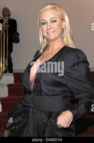 "Deutsche Schauspielerin Jenny Elvers-Elbertzhagen besucht die ""Künstler gegen Aids"" Gala in Berlin, Deutschland, - Stockfoto"