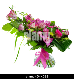 Buquet rosa Rosen, rosa Cymbidium, Creme und rosa Lisianthus isoliert auf weißem Hintergrund - Stockfoto