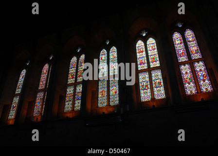 Die sechs nach Süden Fenster, Priory-Kirche, Bolton Abbey, Yorkshire, England, UK - Stockfoto