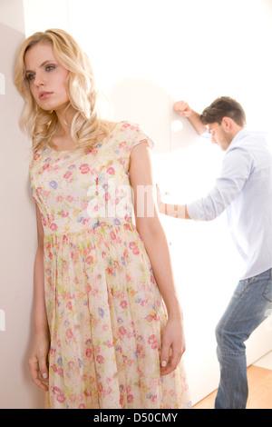 Paare, die einen Kampf - Stockfoto