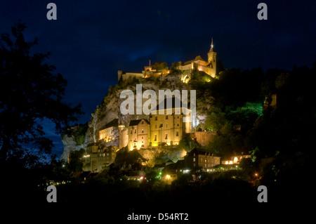 Rocamadour bei Nacht, Lot, Midi-Pyrenäen, Frankreich - Stockfoto