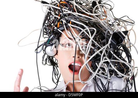 Unruhigen schockiert Geschäftsfrau mit Kabel am Kopf - Stockfoto