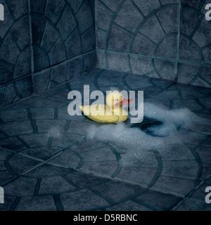 eine Gummiente mit Schaum sitzen in der Dusche