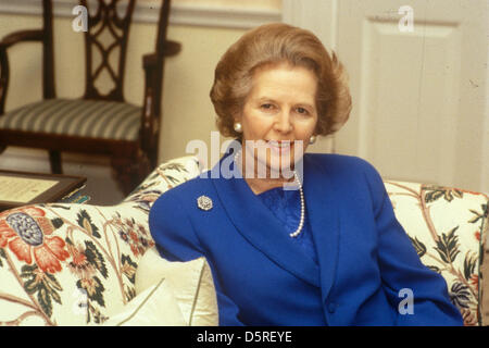 Margaret Thatcher starb heute 8 April 2013. Frau Maggie Margaret Thatcher 1983 in der obersten Etage, die Downing - Stockfoto