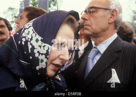 Archiv: Margaret Thatcher starb heute 8. April 2013. Frau Thatcher Denis Thatcher. Konservative Partei Wahlkampf - Stockfoto
