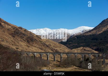 Bahn-Viadukt bei Glennfinnan auf Fort William, Malaig Linie, einige Male mit dem Hogwarts-Express Stockfoto